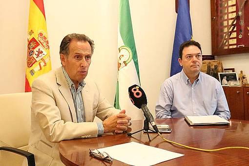 José María Román y Joaquín Guerrero Bey en alcaldía