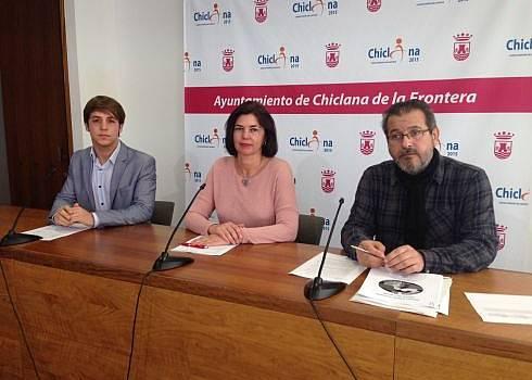 José Alberto Cruz, Pepa Vela y José Manuel González, durante la rueda de prensa.
