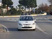 Vehículo policial perteneciente al grupo del 092 patrullando por la ciudad