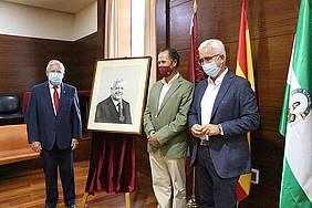 Manuel Jimenez Barrios, José María Román y Ernesto Marín con el cuadro