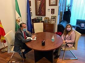 Reunión del alcalde con la presidenta de Diputación en Alcaldía