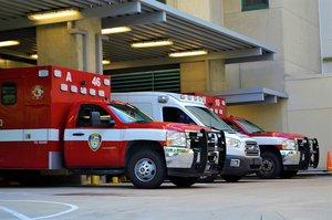 Foto de vehículos de emergencias