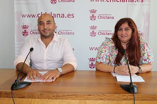 El delegado de Fomento y la representante de Global Formación en rueda de prensa