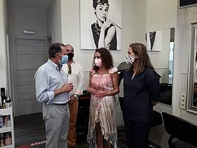 visita del alcalde al salon de belleza Bella Montero