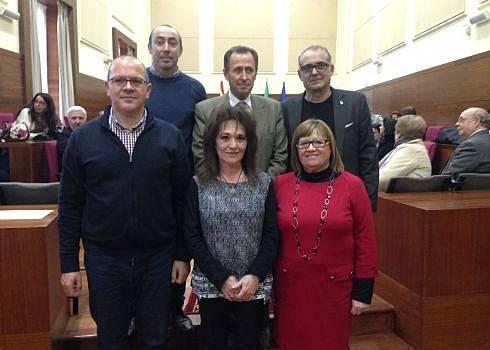Foto de familia del acto de homenaje.