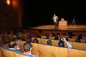 El Mago Antonio ofrece su espectáculo en el Teatro Moderno