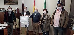 Momento de una de las donaciones realizadas durante el confinamiento