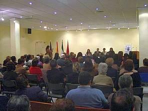 Acto de ratificación del Plan Municipal de Igualdad por los distintos colectivos y entidades, (8 de marzo de 2.007).