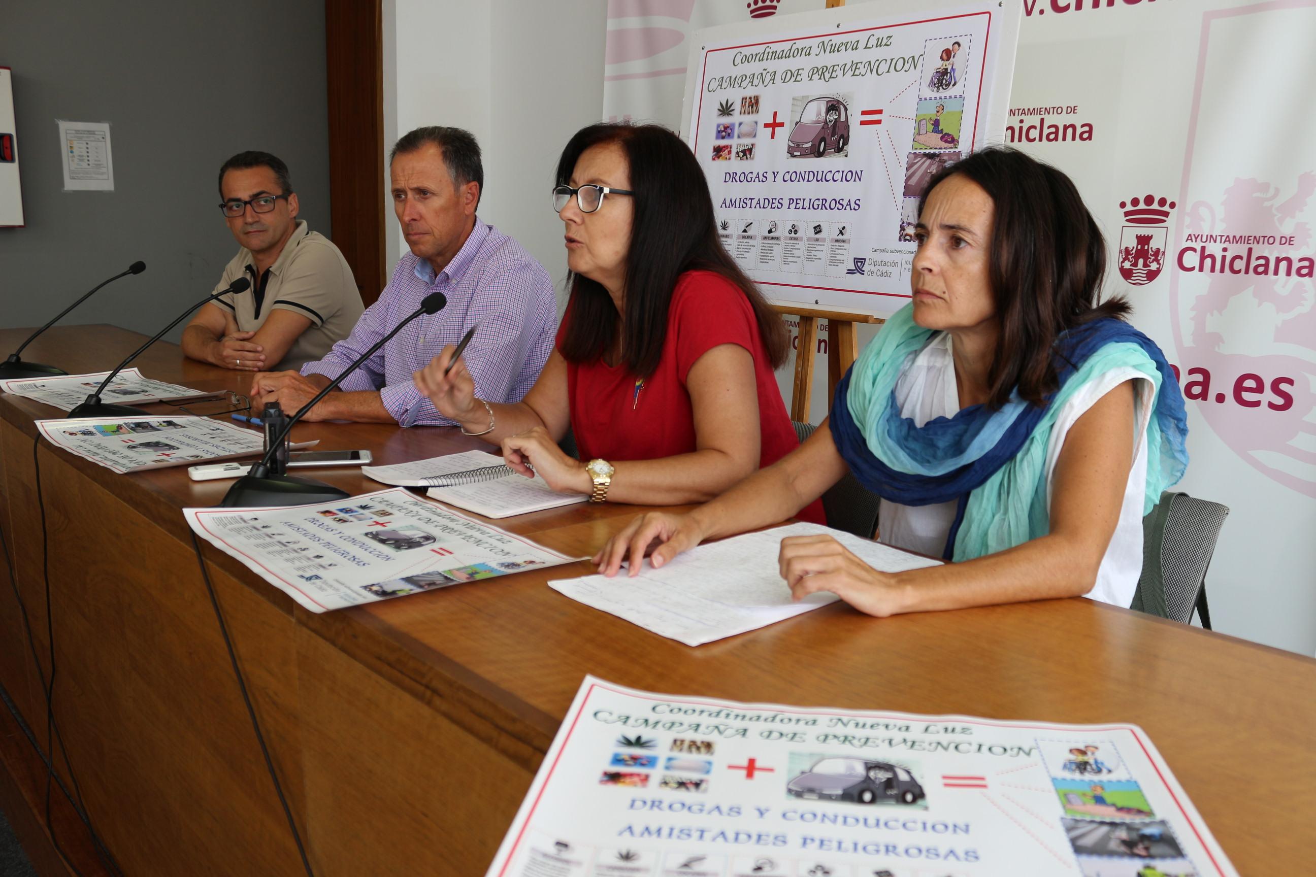 Rueda de prensa de la presentación de la campaña, en la que aparecen el alcalde, el delegado de Drogodependencias y las representantes de Nueva Luz
