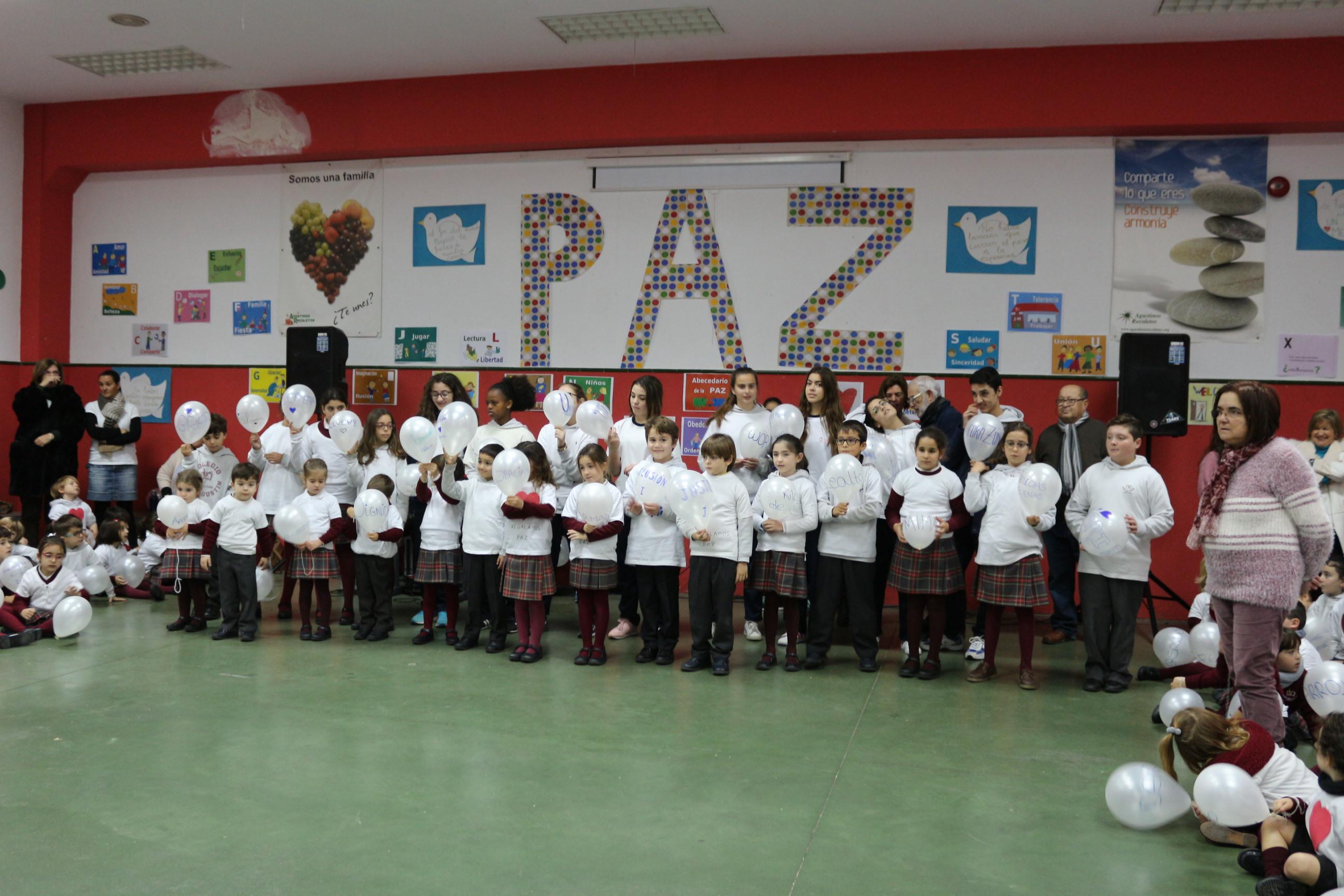 Momento del acto en el colegio San Agustín.