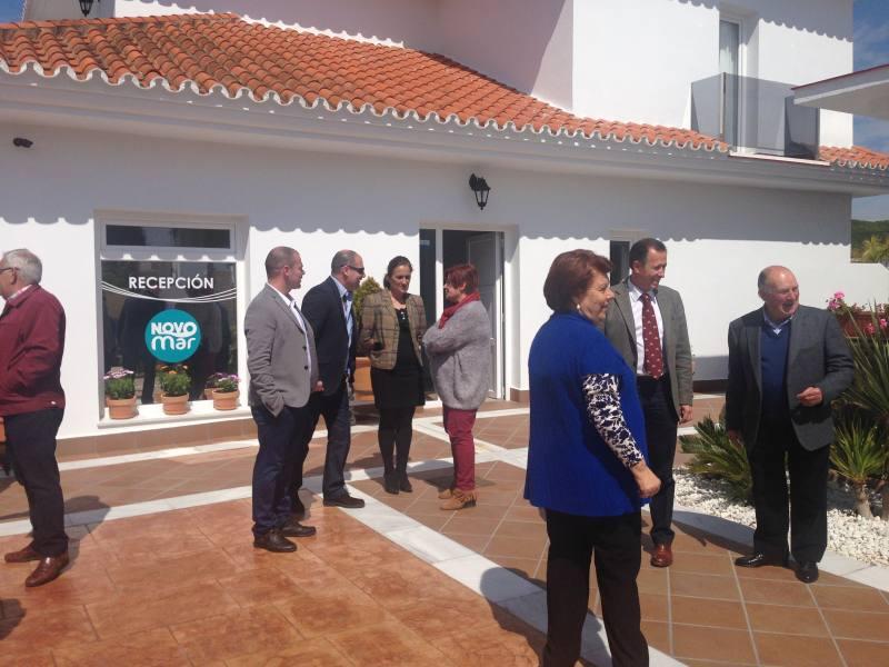 Imagen de archivo de la inauguración del hotel Novo Mar, con la presencia del alcalde
